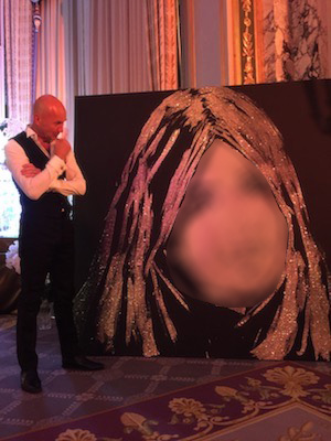 Monaco glitter painting performance